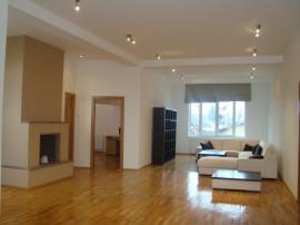 Apartament cu 4 camere in zona Primaverii
