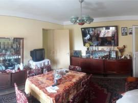 2 camere, etaj 1 din 4, semidecomandat, 51 mp, zona POD