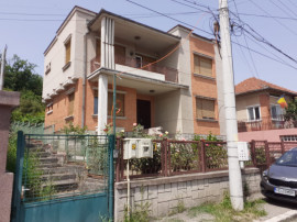 Casa solida in Deva, D+P+E, zona ultracentrala, 294 mp