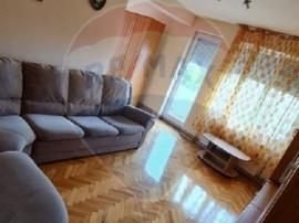 Apartament cu 3 camere de închiriat în zona Central