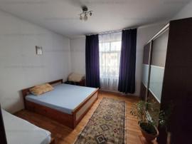 Ap. 2 camere, modificat in 3 camere,etaj intermediar-Craiter