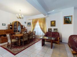 Casă / Vilă cu 5 camere de vânzare Ciolpani