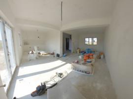 Casa Individuala cu 300 mp teren, 4 camere si pod depozitare