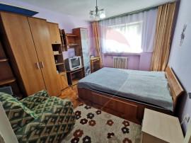 Apartament cu 2 camere decomandat, Str. Piata Soarelui