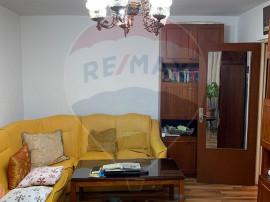 Apartament cu 3 camere de vânzare în zona Aviatiei