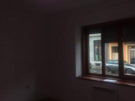 Apartament 2 camere ultracentral la parter