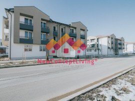 Apartament INTABULAT,2 camere,bucatarie separata, zona Brana