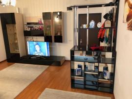 Apartament cu 3 camere în zona Primo-Benzinaria Mol, Mar...
