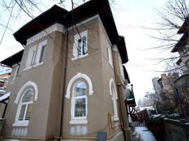 Apartament in vila Dacia - Toamnei, Bucuresti