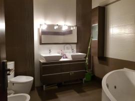 Apartament 3 camere, zona Unirii , Pozitionat excelent