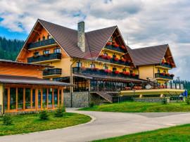 Hotel Sfantul Petru situat in muntii Sureanu, zona Poarta...