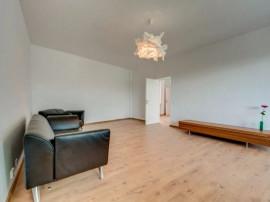 Apartament - 3 camere versatil renovat complet zona Flore...