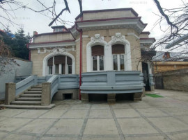 Vila interbelica cu 10 camere | Zona Dacia- Vasile Lascar -C