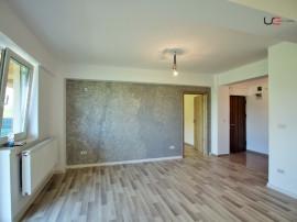 Apartament 3 camere, 70mp gradin si loc de parcare zona CUG