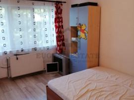 Apartament cu 4 camere, zona foarte buna, investitie exce...