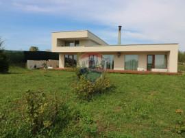Casa superba 5 camere 1000 mp teren la 15 km de Cluj Napoca