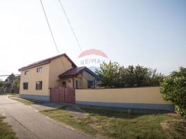 De vânzare casă 3 camere la intrarea in Cicir