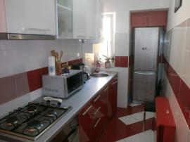 Apartament 2 camere ,recent renovat,zona Vasile Aaron