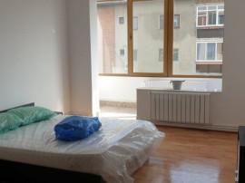 Inchiriez apartament 3 camere zona Intim - 17097