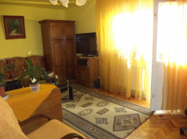 Zona RFN, 4 camere ,decom., etaj 2