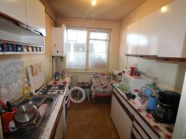 Apartament 3 camere decomandat,zona Mihai Viteazul