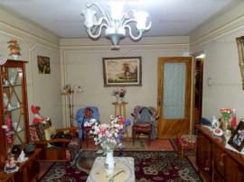 Apartament 3 camere, decomandat, zona 9 Mai