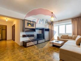 Apartament cu trei camere in zona Titulescu-Piata Victoriei