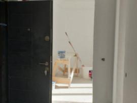 MUTARE IMEDIATA! Apartament decomandat 2 camere,balcon,loc