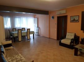 Apartament cu trei camere - Micro 14, bloc nou