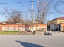 Teren si casa in centrul orasului Cazanesti
