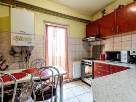 Apartament 3 camere pe strada Banu Maracine