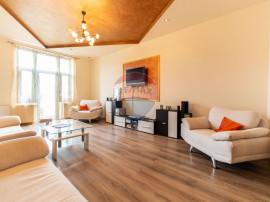 Apartament cu 3 camere de vânzare în zona Miron Costin