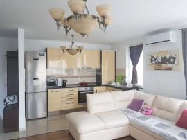 Apartament cu 3 camere in zona strazii Augustin Presecan