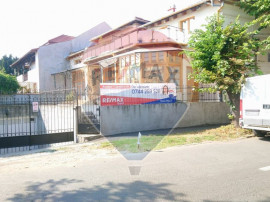Casă istorică P+M cu 4 apartamente si garaje subterane