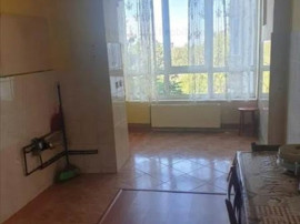 Apartament 3 camere etaj intermediar Zona Grivitei,108I2