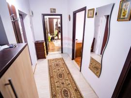Apartament decomandat, etaj 1, Zona Burdujeni