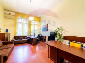 Apartament/ Spatiu de birouri pe Bulevardul Revolutiei
