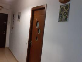Apt. 3 camere 83mp, mobilat, et.3/5, bloc cu lift, Bragadiru