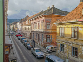 Centrul Istoric, apartament spatios cu 4 camere, Brasov