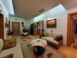 Piata Romana, apartament deosebit 5 camere, 176mp.