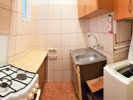 Apartament la etaj intermediar, zona Piata Hermes