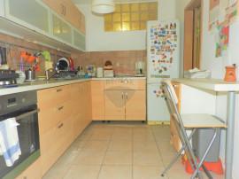 Apartament 3 camere   Decomandat   SU 73mp   Boxa   Preta...