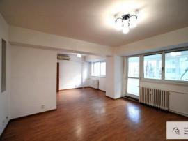 Inchiriere apartament 4 camere Vatra Luminoasa