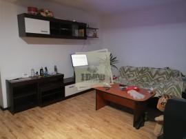 Apartament spatios de inchiriat cu 4 camere 3 bai si terasa