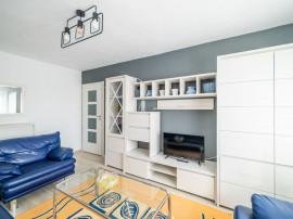 De închiriat: Apartament 3 camere finisat modern