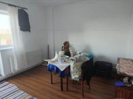 2 camere dec. renovat etaj intermediar Centrul Civic,1075I