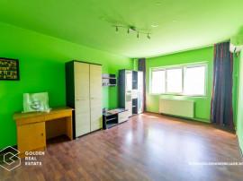 Apartament 3 camere, zona Alfa, decomandat, centrala prop...