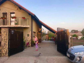 Casa / Vila moderna Giarmata