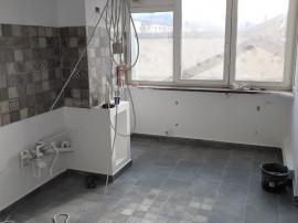 Apartament 2 camere, et. intermediar - zona Astra