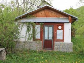 Casa si teren, sat Gresu, comuna Tulnici, judetul Vrancea